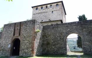 1024px-bobbio-castello_malaspiniano1