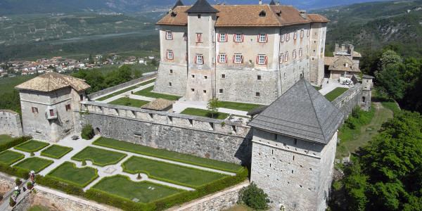 castel-thun-val-di-non-trentino