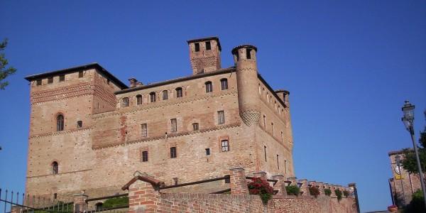 1455px-castle_of_grinzane_cavour